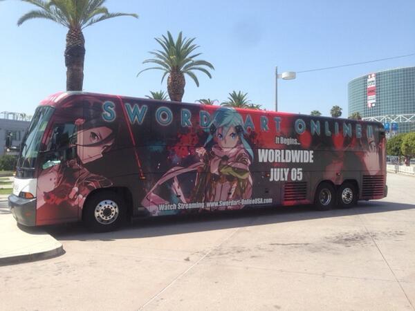 アメリカ「Anime EXPO」SAOバスの側面撮ったー! #sao_anime #sao_world pic.twitter.com/Lp3NowepTa