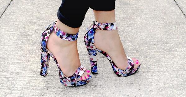 We're lusting over the florals on these platforms - strike an edgy posy #footwearfriday http://t.co/nn0HRSr2ux http://t.co/nRFQndy7gx