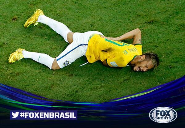 ¡NEYMAR FUERA DE LA COPA DEL MUNDO! Se confirmó la fractura en la tercera vértebra. #FOXenBrasil. http://t.co/5R3X1PTkpi