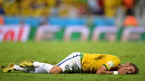 #BRA team doctor confirmed @neymarjr suffered a fractured vertebra & is out of the #WorldCup - http://t.co/uyNfWS5YOu http://t.co/G8G4O9Cqbw