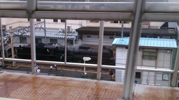 高崎駅にSLが止まってた。 http://t.co/rN2WmF5eGb