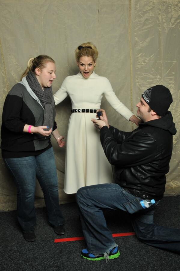 Thanks for the gorgeous dress @LUBLU_KP!! @jenmorrisonlive looks stunning as always! #OzCon http://t.co/PVuNZrYaNd