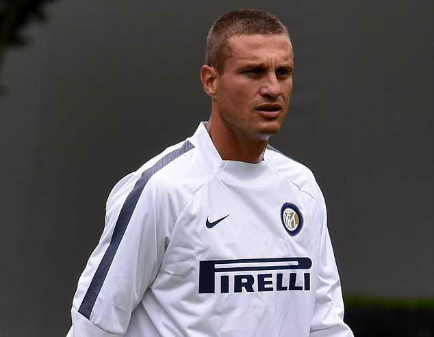 Injury for Vidic but it is not serious