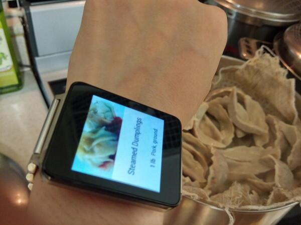 LG G Watch! the First Android Wear to ship commercially on Play Store, today. #AndroidWear #GWatch #lggwatch http://t.co/iDf64Lwvd6
