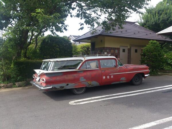空飛ぶ車が、ご来店♪ http://t.co/QRuFV6WWKm