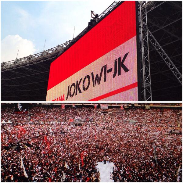 Temen gw Jay Subiyakto cool abis! Ngambil foto di GBK dari posisi tertinggi! #NGABUBURIT2Jari #Jokowi9Juli http://t.co/AgyFD5rsWv