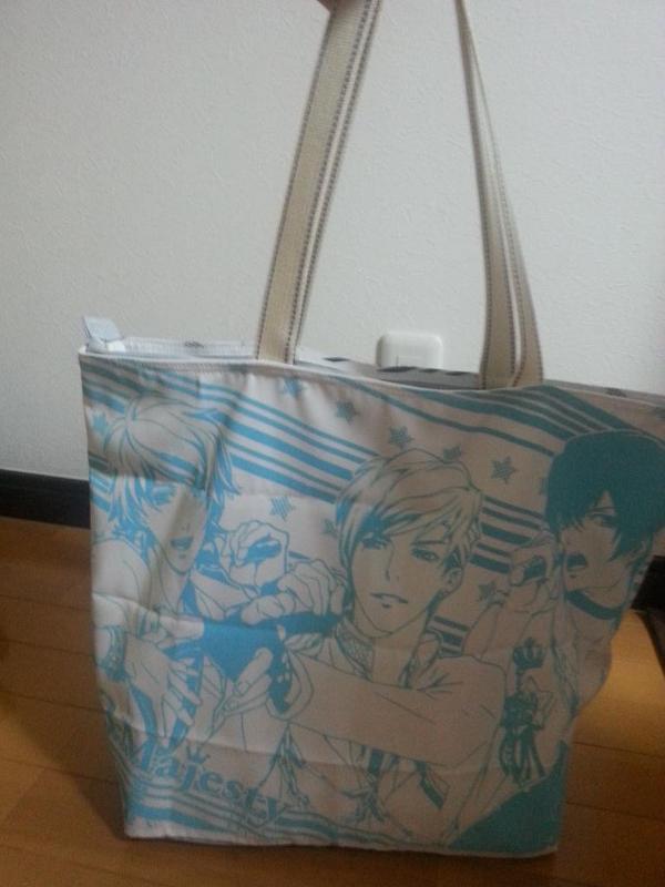 ときレスのデカガチャのランチョンマット二枚で、鞄作っていただきました(*´ω`*) 中々ランチョンマットって使わないし、ときレスのグッズ少ないから、自己生産(*´▽`*) #ときレス