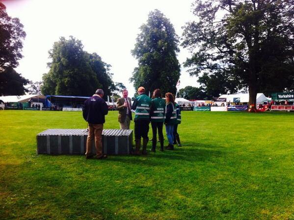 #Volunteers setting up for terrier racing in main ring! http://t.co/Lwc86UET6B