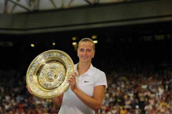 #P2TRA reunited with the Venus Rosewater Dish. #secondWimbledon #Wimbledon #Kvitova http://t.co/6kmQZQxfwq