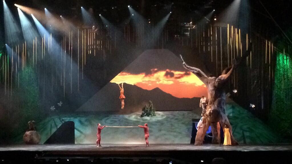 Le Cirque du Soleil Brz6LSpIMAAkox9