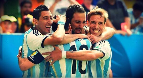 ¡Muchas felicidades #Argentina, ya están en #semifinales!  Argentina 1 - 0 Bélgica. http://t.co/18wZTfuDR8