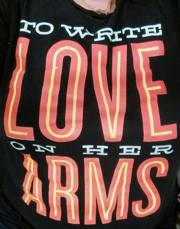 This T-shirt just allowed me to share mine and @TWLOHA story. Brought me hope and healing just to talk! http://t.co/76WtLke9bV