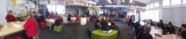A2. Love taking visitors through impromptu. St & Ts fully engaged in colla learning env #aussieED http://t.co/ft05eCS83r