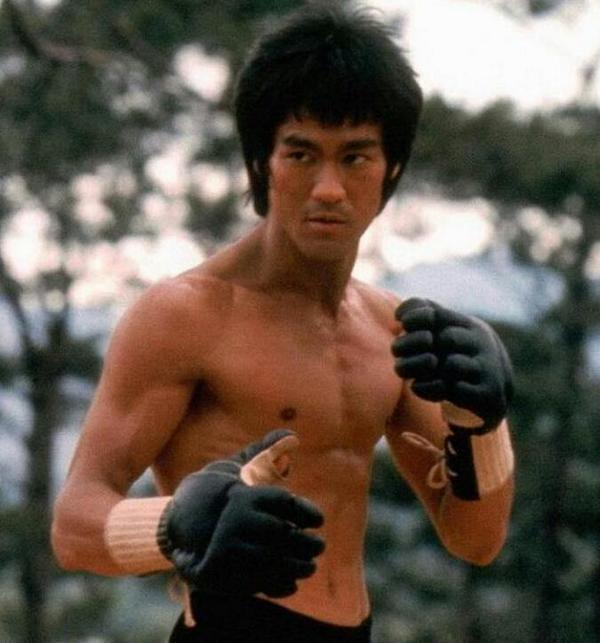 Bruce Lee died in Hong Kong 41 years ago today #Legend http://t.co/44fXnARCu7