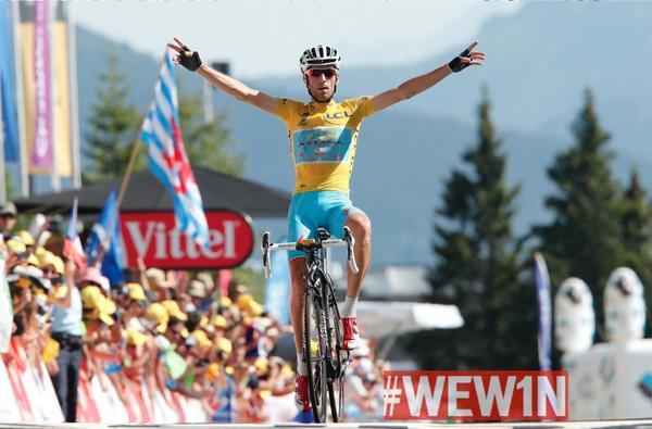 Che ne dite??? Bello vincere in giallo! #WEW1N! http://t.co/jKptz9xJh9