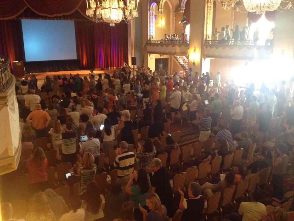 A seriously fabulous, engaging, entertaining, and learning experience! Thank you @courosa Standing ovation! #BLC14 http://t.co/NU01C9p3fI