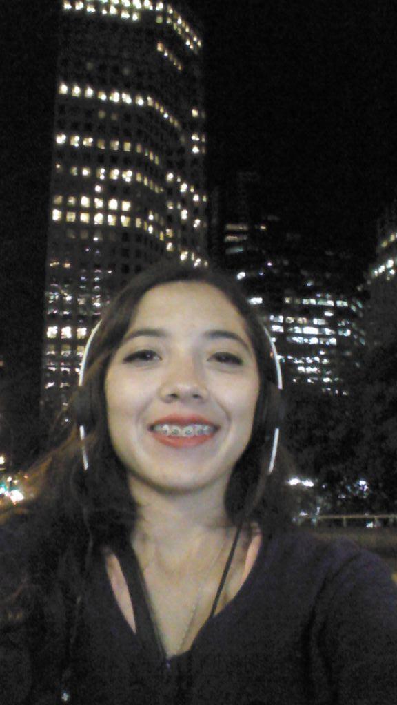 Nunca me había sentido tan segura caminando de noche #LoveThisCity #Vancouever pic.twitter.com/bW0W6QKzsB