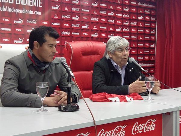 """Almirón: """"Es un honor llegar al club que soy hincha"""""""