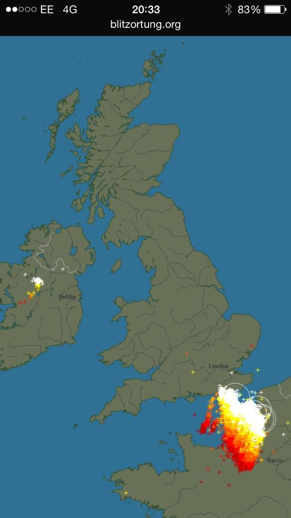In 12hrs last night, approx 13000 lightning flashes in UK & IRE. In the last 2hrs, approx 18000 in approaching storm http://t.co/vLas2MHXEk