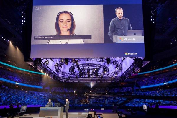 Microsoft breaks language barrier with Skype demo http://t.co/3Edwjv5WqX http://t.co/CzeQWHqZ7C