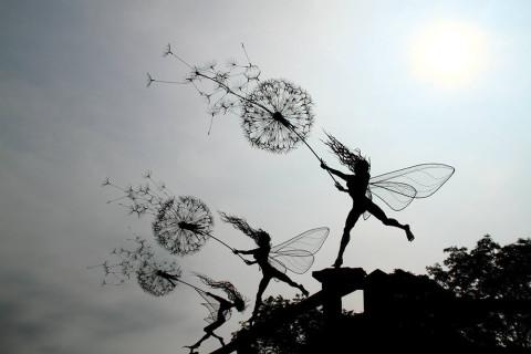 These whimsical wire sculptures were inspired by real life fairies - http://t.co/IfUnPF1ets http://t.co/ajmWVsXUNx