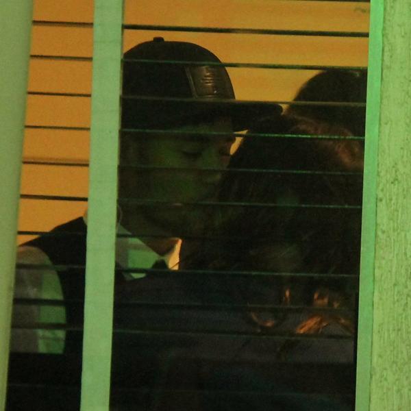 Teve muito, mas muuuuito beijo de Bruna e Neymar na festa de #EmFamília http://t.co/C5Pn6TqV2M http://t.co/TcjZUlSlfS