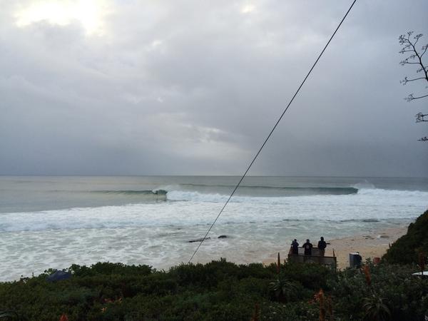 Waves are flipping  PUMPING!!! #JBayOpen @ASP http://t.co/HPjVskPj5s