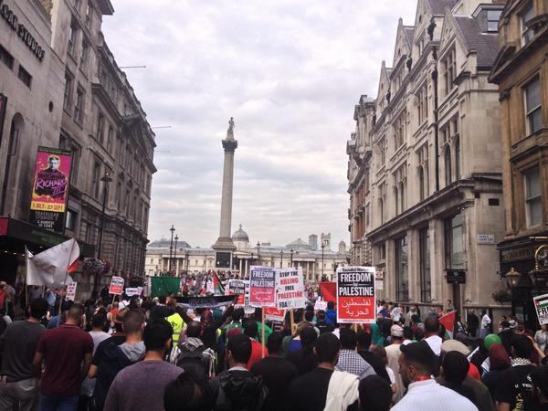 #FreeGaza March in London from Dawning street to the Israeli embassy http://t.co/078lchSj0f