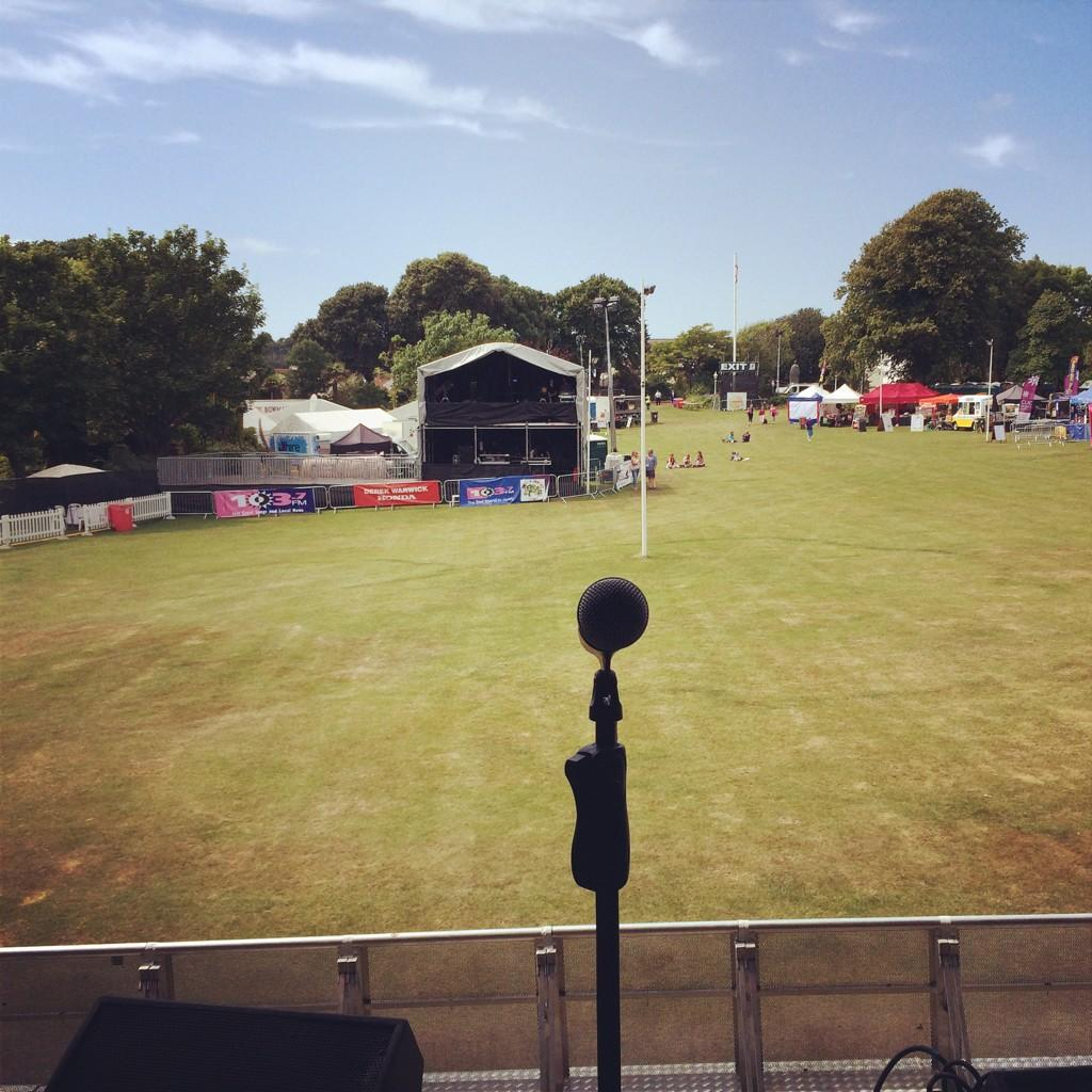 Sound check done buzzing for tonight's show @BigGigJersey 🎤 http://t.co/DmpHWNsNv2