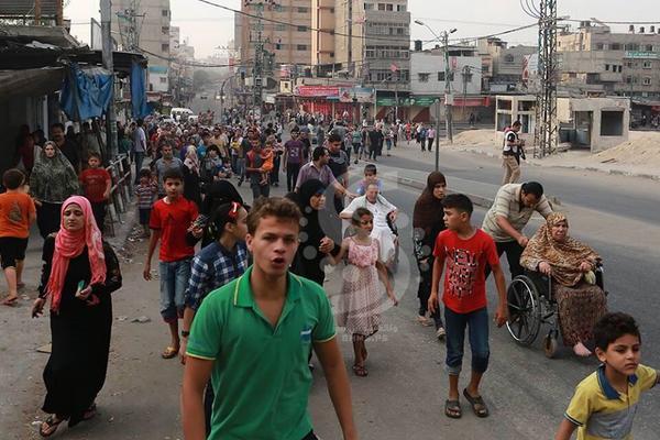 reminder: @UNRWA needs donations RT @MohammedYIsmail: Mass runaways from Shijaia toward UNRWA centers of #Gaza! http://t.co/H1TWaRt3I7