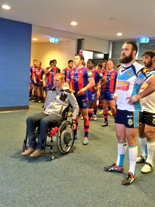 Alex McKinnon leads the team out at Hunter Stadium #RiseForAlex @mckinnon92 @kurt_gidley http://t.co/FQLbb3Gq70