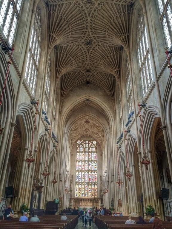 The ceiling in Bath Abbey is glorious http://t.co/pPRa0eehE1