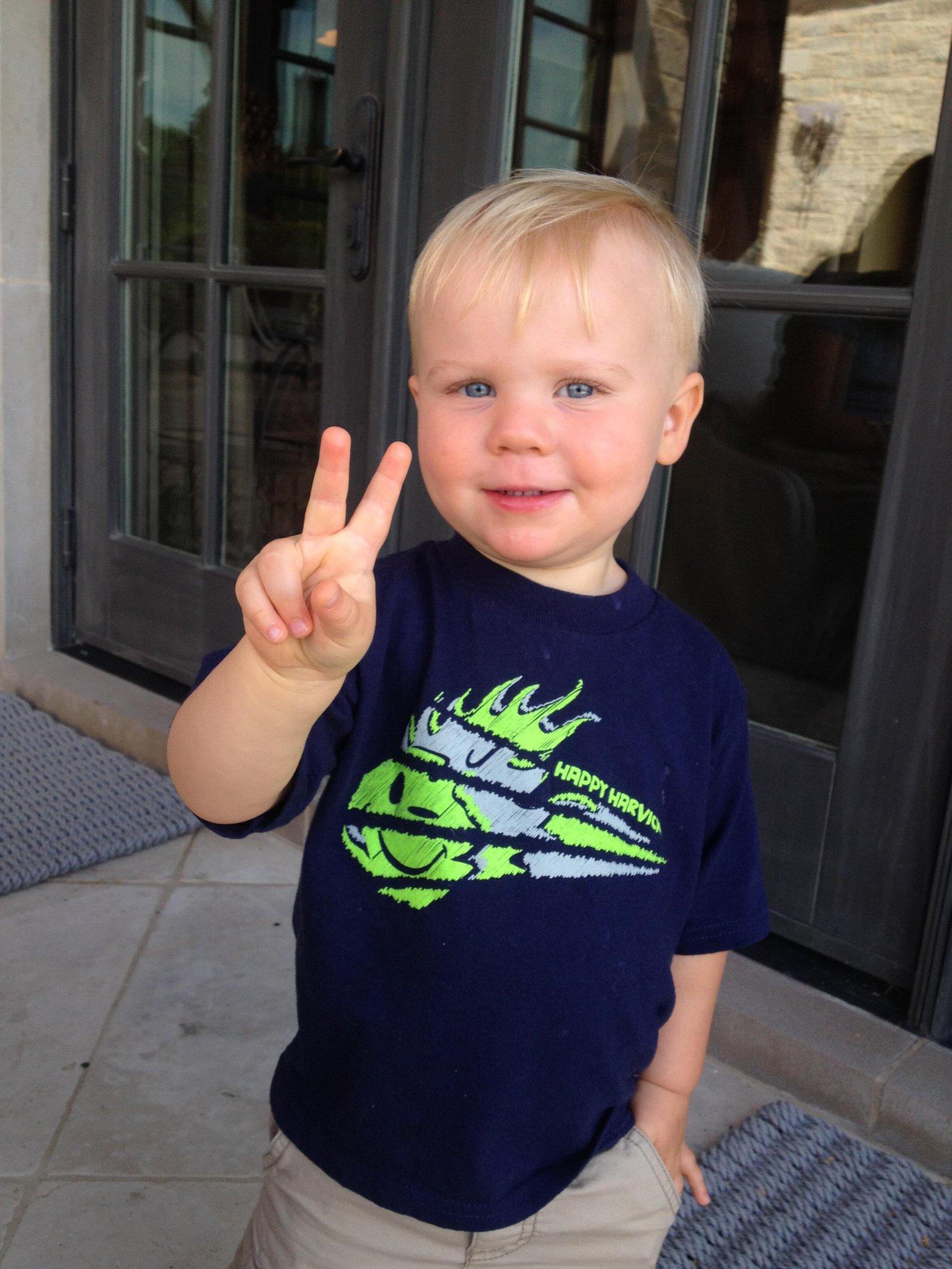 RT @KevinHarvickInc: Happy 2nd birthday to @KeelanHarvick. RT to wish him a happy birthday! http://t.co/XOe7nW3WHN
