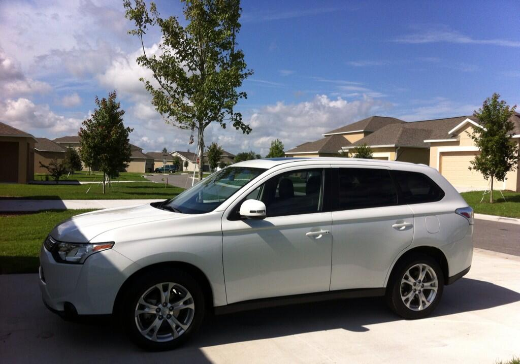 Twitter / Lovesmytwoboys: The @mitsucars Outlander makes ...