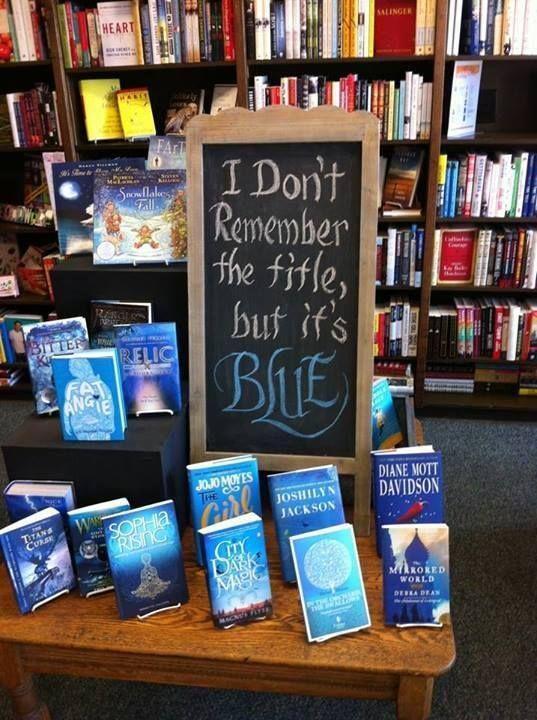 「タイトル思い出せないけど、なんか青かったよ」という本のフェア。こういうアバウトなフェアいいなあ。 http://t.co/i3NJlKPlFJ