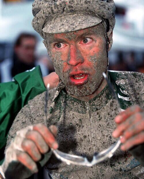That was my first Paris Roubaix Experience in 1999.... Rain all day....And today again i guess.... http://t.co/nlp0zvALRX