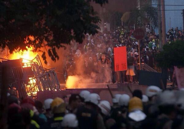 Rioting has begun in #BRA already http://t.co/6F1FpWvn97