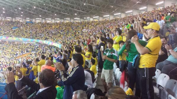 Full stadium standing ovation for this German performance! Like nothing we've ever seen before http://t.co/sn5tA7rnbI