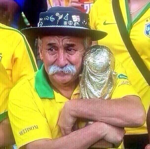 La imagen más triste #BRA http://t.co/5FZtKf6eQE #Brasil24Horas http://t.co/S3ZWjpnykU