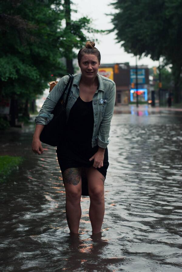 It's just a little rain, no big deal. #ankledeepincentretownsludge #Ottawa http://t.co/DyB9McERHy