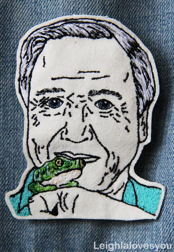 Custom free hand machine embroidered patch of David Attenborough! Commissions: http://t.co/iKEllu3YBI #handmadehour http://t.co/7Ay1PgNBMx