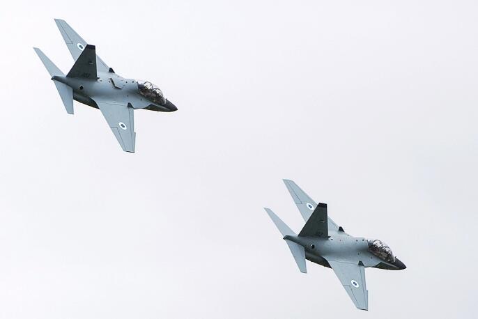 توقع تسلم سلاح الجو  الاسرائيلي الصيف المقبل طائرتي تدريب من طراز (ام-346) في اطار صفقة لشراء 30 طائرة BsHjnfMIIAALEux
