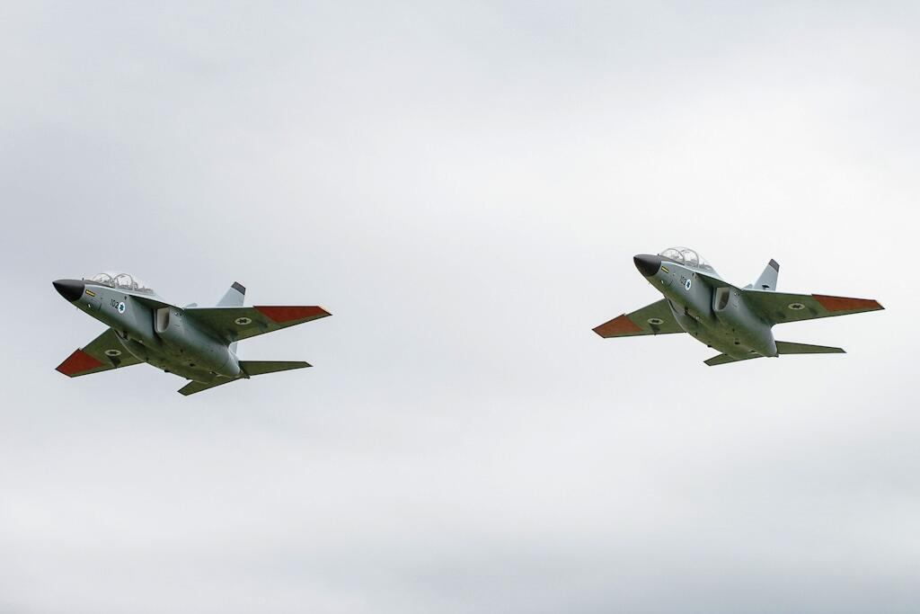 توقع تسلم سلاح الجو  الاسرائيلي الصيف المقبل طائرتي تدريب من طراز (ام-346) في اطار صفقة لشراء 30 طائرة BsHjoGBIIAAbow7