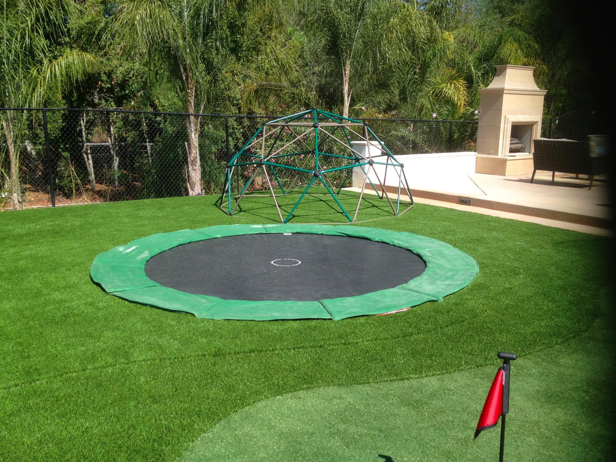 in ground trampoline igtflyers twitter. Black Bedroom Furniture Sets. Home Design Ideas