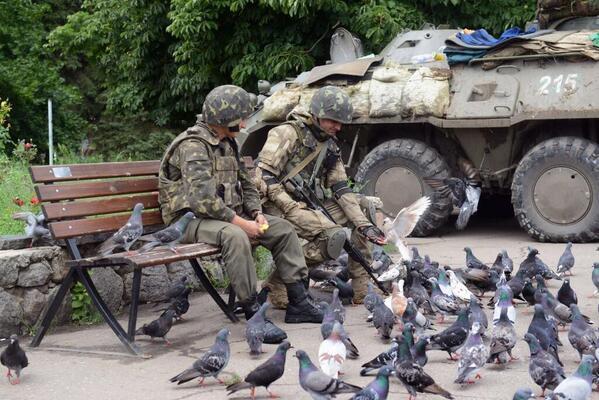 """В Луганске боевики стреляют в местных жителей, которые мешают размещению """"Градов"""", - Селезнев - Цензор.НЕТ 4082"""