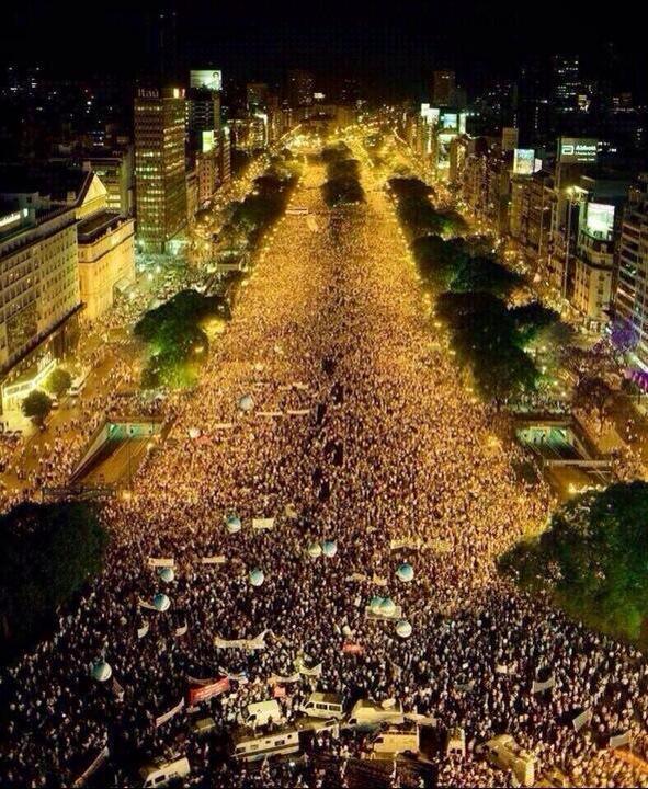 @PancheriHoracio  así Festejamos en el Obelisco ¡¡¡¡ Vamos Argentina