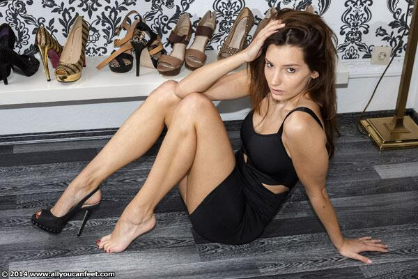 Allyoucanfeet on Twitter: 121 new pics and a clip showing