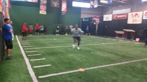 Proud to have most of the #Patriots secondary @Fischer_Inst  @RealLoganRyan @Revis24 @tavonwilson24 @McCourtyTwins http://t.co/6U3v0RWuV0