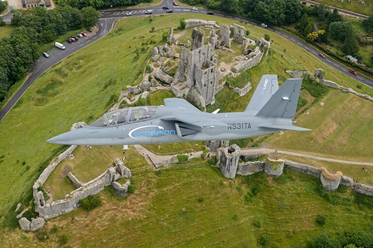 Scorpion ISR/Strike Aircraft BsL77jdIgAA3G4m