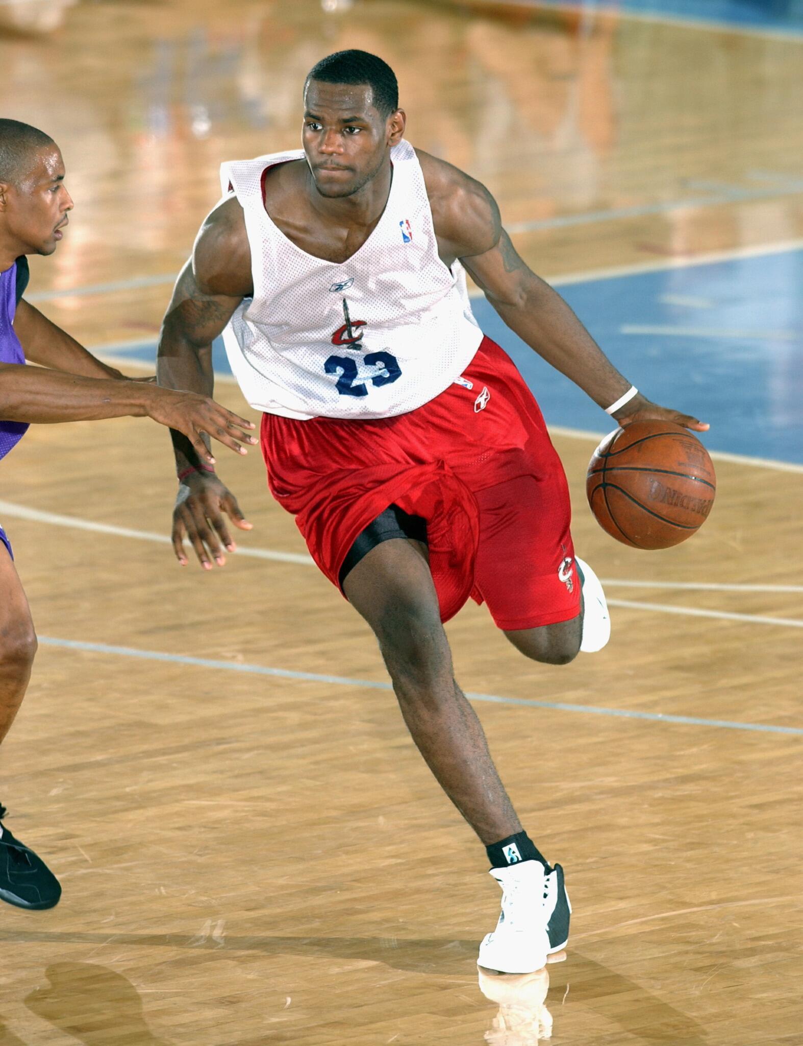 Legendarne slike NBA lige - Page 24 BsM2kjxCUAEjFaj
